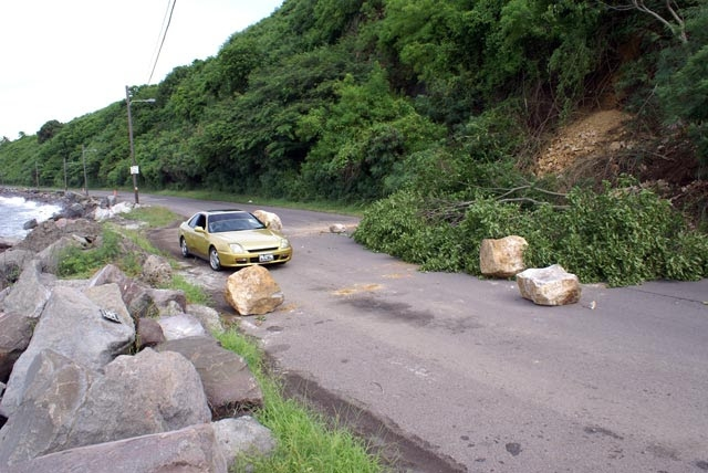 Rockfall in Old Road causes diversion of traffic