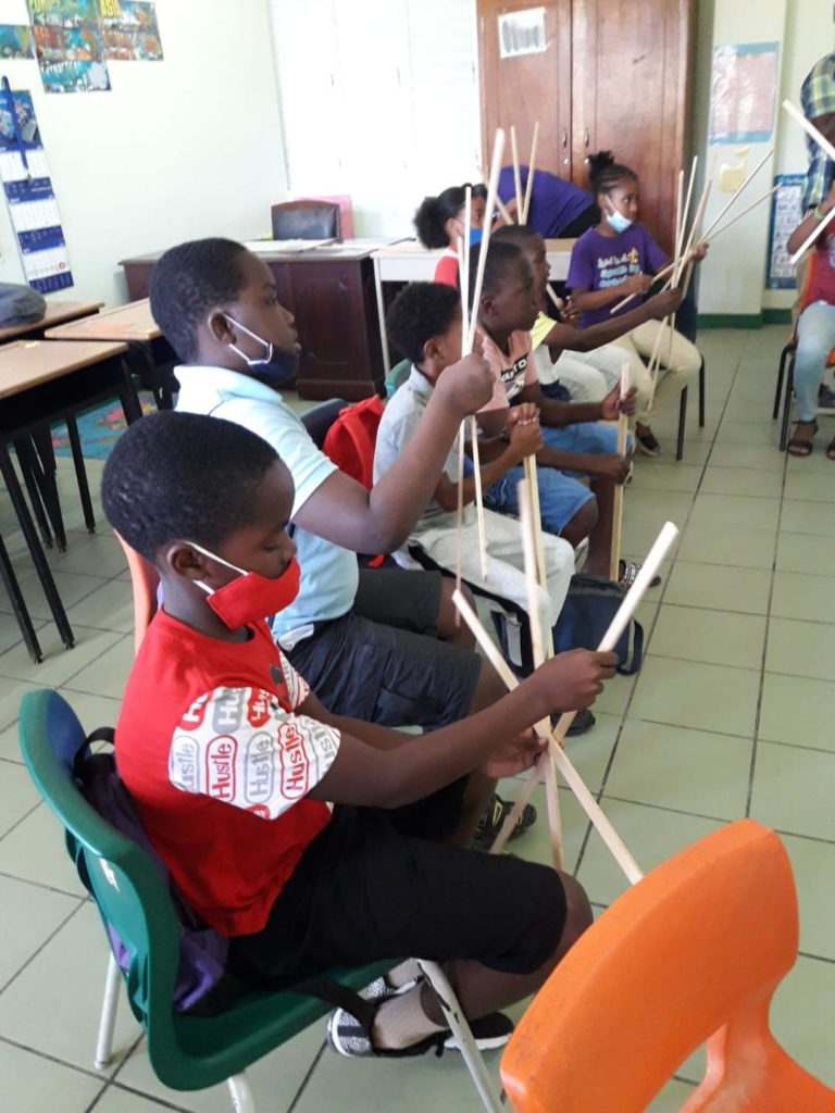 Nevis' Kite making Workshop a Big success
